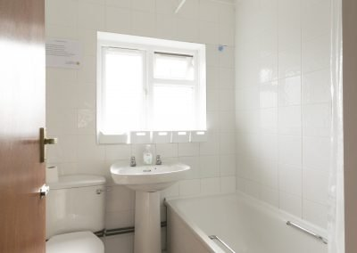 870 Filton Avenue (Bathroom)
